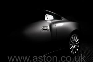 цвет Астон Мартин Вэнкуиш (Vanquish) 2003. Кликните для просмотра фото автомобиля большего размера.