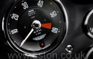 роскошный Астон Мартин DB5 1963. Кликните для просмотра фото автомобиля большего размера.