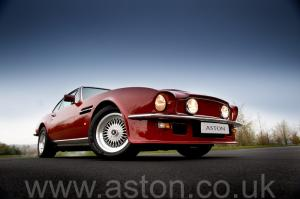 фото Астон Мартин V8 Vantage X-Pack 1988. Кликните для просмотра фото автомобиля большего размера.