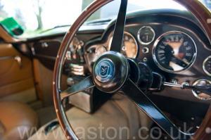 разгон Астон Мартин DB6 Mk 1 1966. Кликните для просмотра фото автомобиля большего размера.