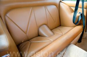 салон Астон Мартин DB6 Mk 1 1966. Кликните для просмотра фото автомобиля большего размера.