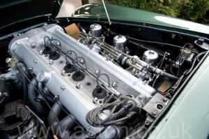 фото Астон Мартин DB6 Mk 1 1966. Кликните для просмотра фото автомобиля большего размера.