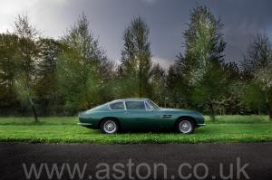 вид Астон Мартин DB6 Mk 1 1966. Кликните для просмотра фото автомобиля большего размера.