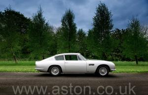красивый Астон Мартин DB6 Mk1 1968. Кликните для просмотра фото автомобиля большего размера.