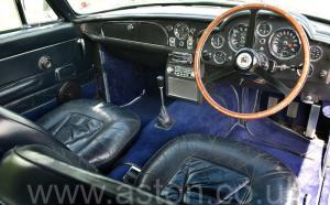 фотографии Астон Мартин DB6 Mk 1 спецификации Vantage 1967. Кликните для просмотра фото автомобиля большего размера.