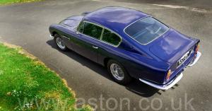 вид спереди Астон Мартин DB6 Mk 1 спецификации Vantage 1967. Кликните для просмотра фото автомобиля большего размера.