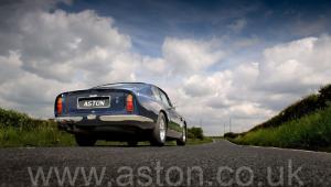 красивый Астон Мартин DB6 Mk 1 спецификации Vantage 1967. Кликните для просмотра фото автомобиля большего размера.