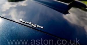 на дороге Астон Мартин DB6 Mk 1 спецификации Vantage 1967. Кликните для просмотра фото автомобиля большего размера.