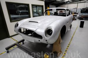 роскошный Астон Мартин DB6 MK1 1967. Кликните для просмотра фото автомобиля большего размера.