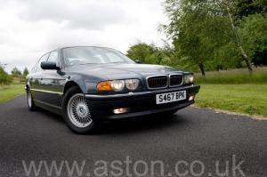 фото BMW 750iL V12 1998. Кликните для просмотра фото автомобиля большего размера.