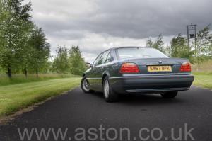 вид BMW 750iL V12 1998. Кликните для просмотра фото автомобиля большего размера.